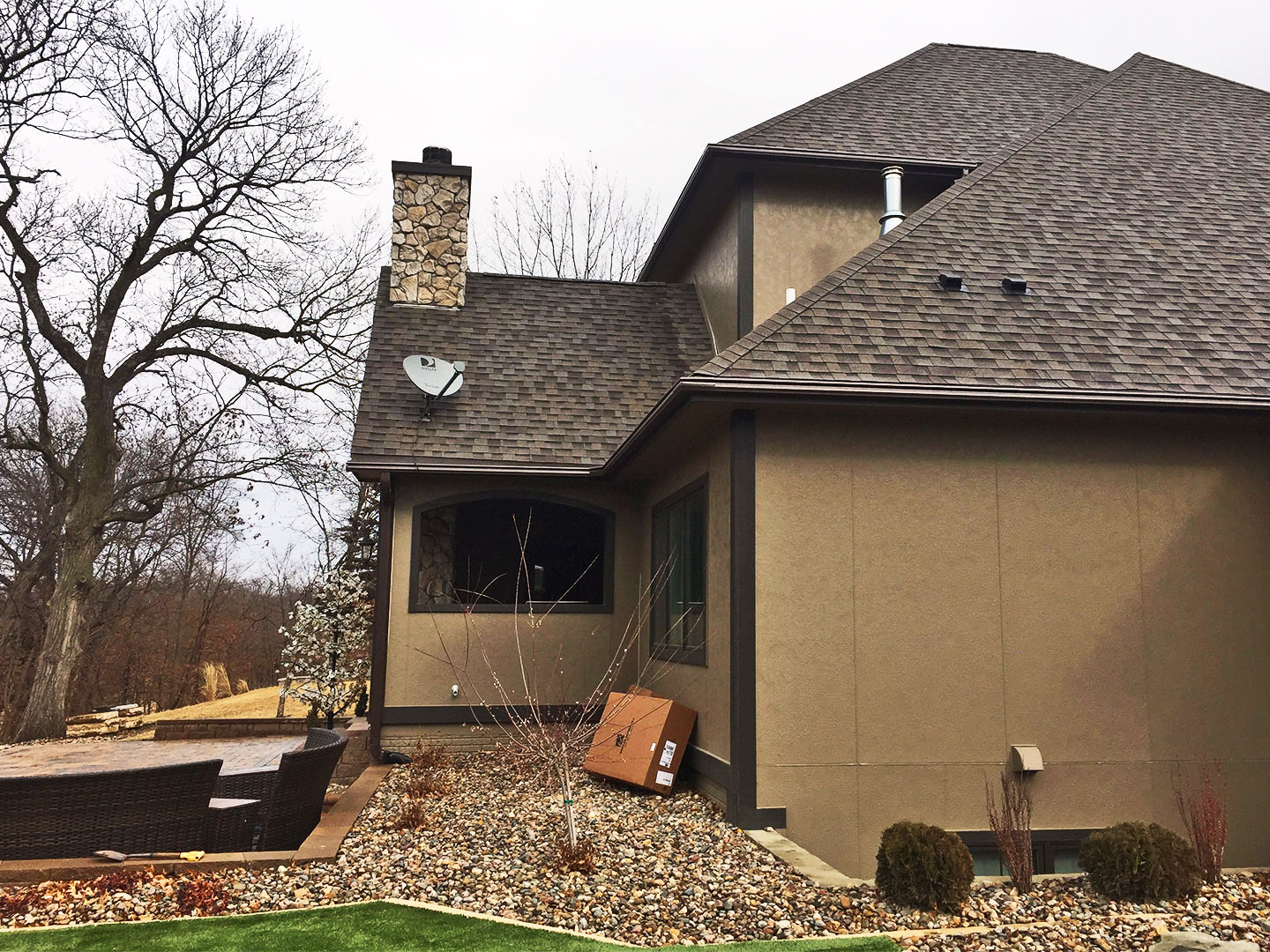 LeafGuard® carries an exclusive ScratchGuard® paint finish, that won't chip, peel or crack, and comes with a Limited Lifetime Warranty. ScratchGuard® will keep this Waukee, Iowa's homes gutters looking new and fresh.