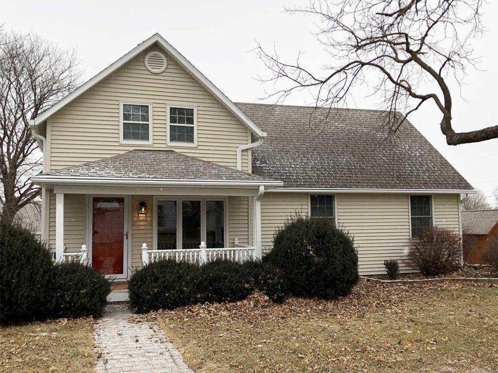 LeafGuard® gutters on Dallas Center, Iowa home