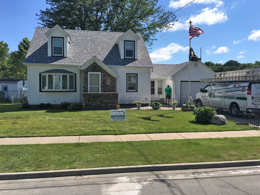 LeafGuard® Brand Gutters are a seamless solution this Des Moines, IA home.