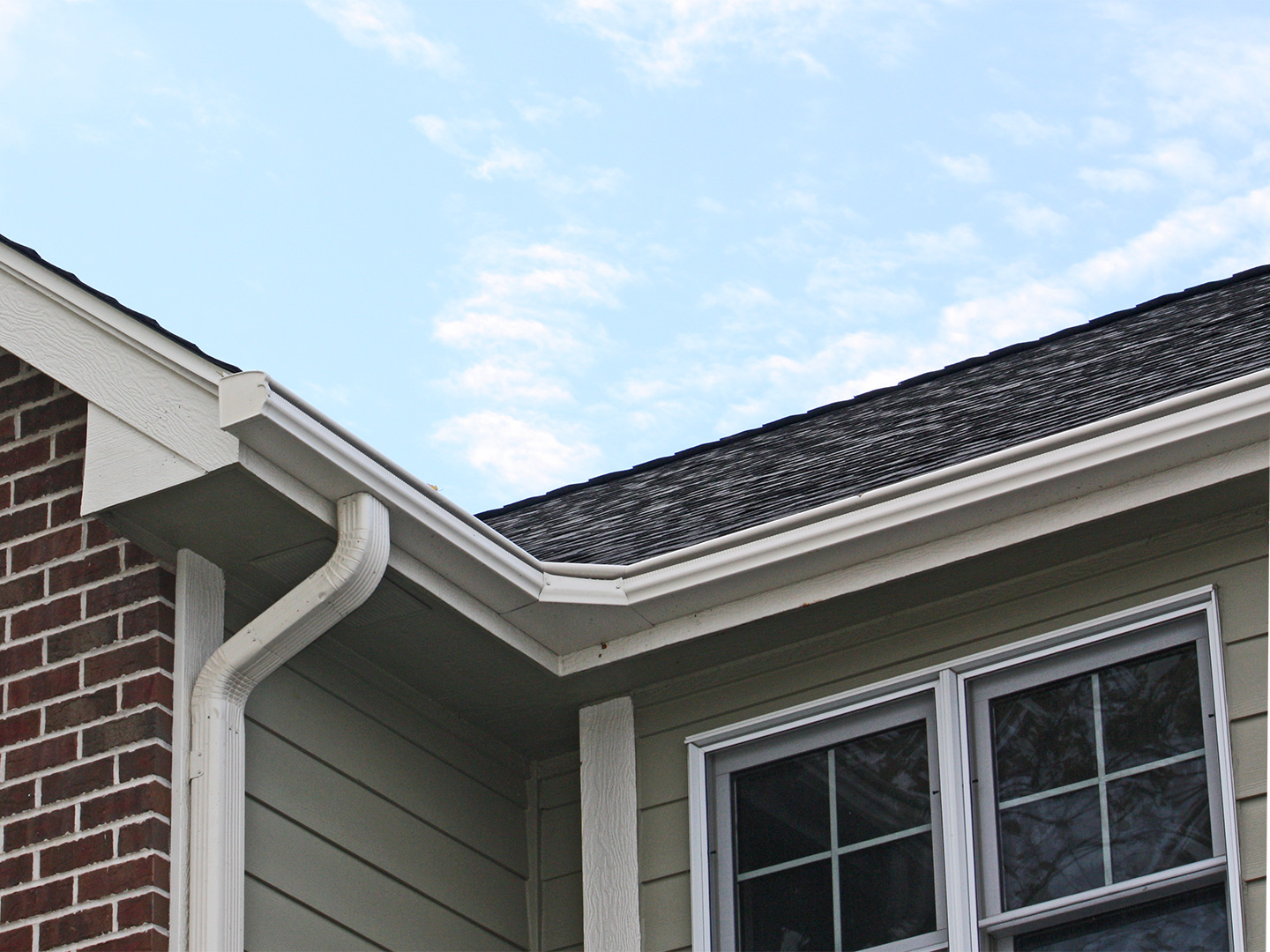 LeafGuard® gutters are also a top choice among Iowa homeowners because they're built to last and look great on any home.