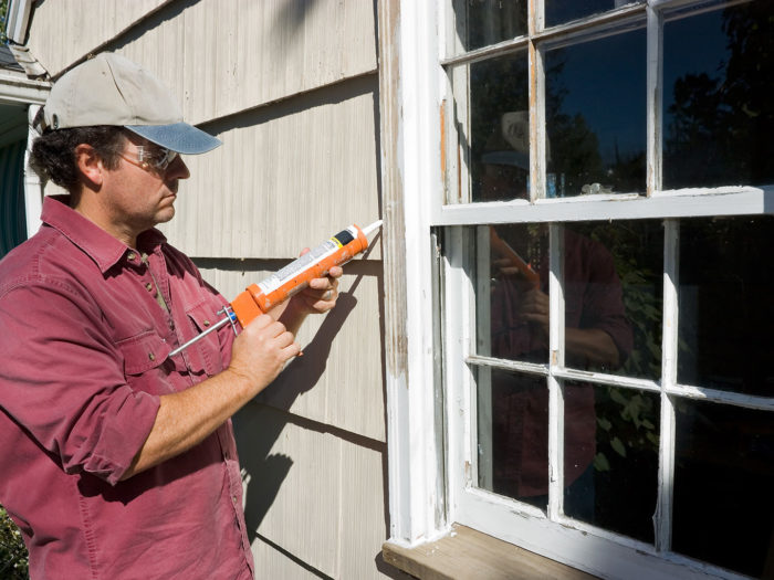 caulk-outdoor-window