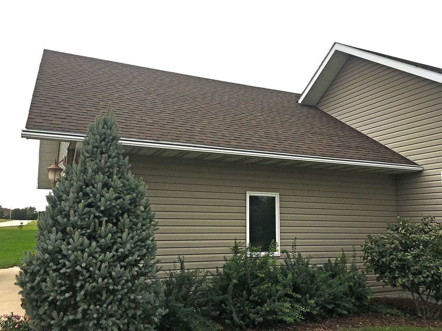 LeafGuard® Brand Gutter's clever one-piece design attaches to the fascia board of your house, eliminating leaks and roof damage.