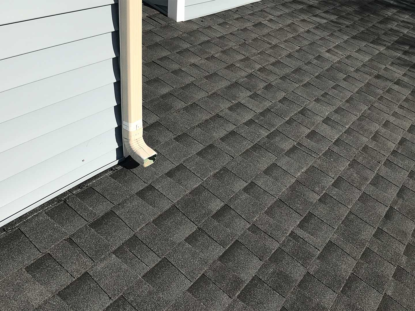 GAF asphalt shingles are a cost-effective and energy-efficient choice that looks great on any home.