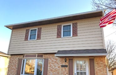 LeafGuard® Gutters on home in Pleasant Hill, Iowa.