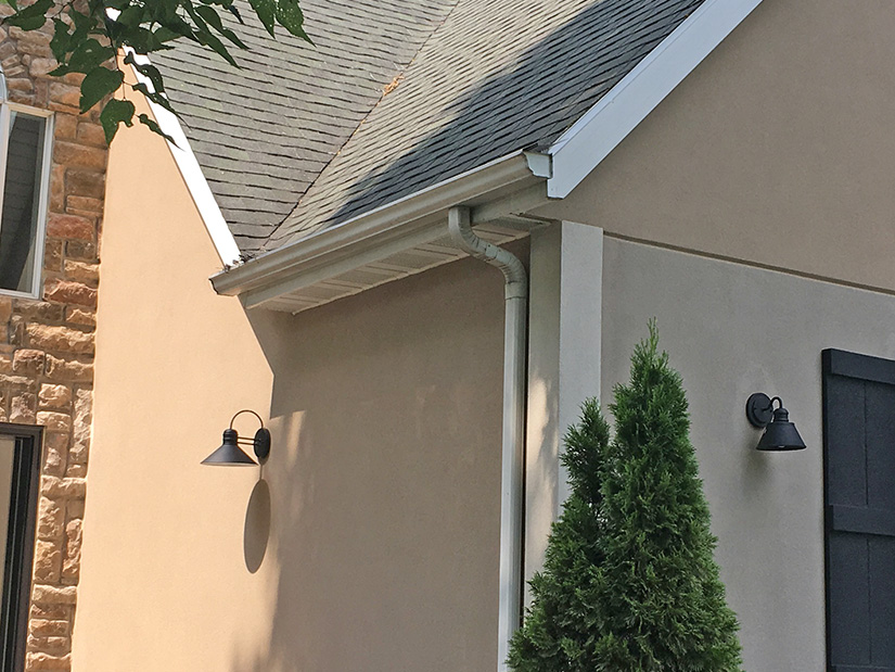 Before LeafGuard® gutters were installed on this Polk City home.